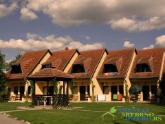 Smeštaj i restoran KOD BRKE - apartmani na Srebrnom Jezeru